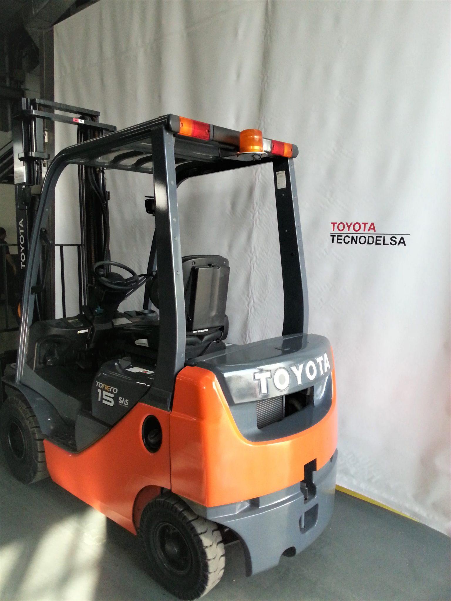 Toyota 02-8FDF-15 Nº 30304-3